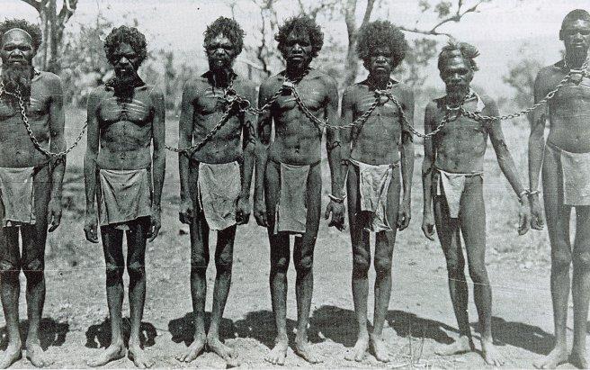 australia-aboriginals-chained-1906